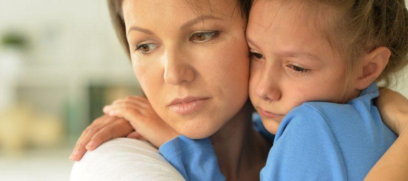 mère et fille petite fille autiste