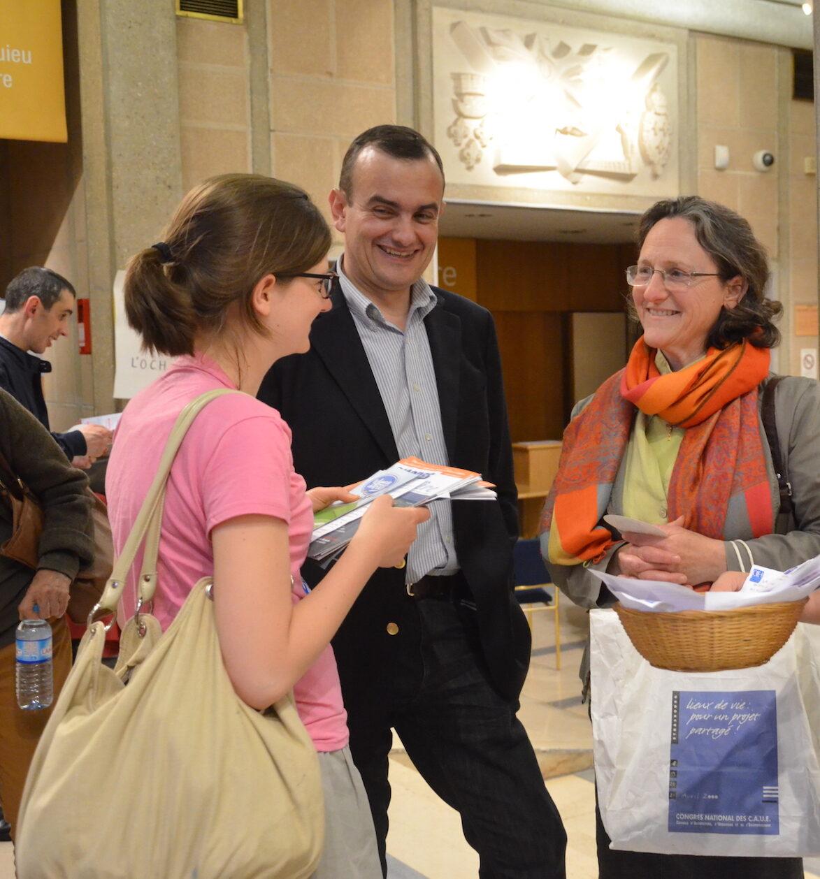 Bénévoles de l'OCH à la fin d'une conférence