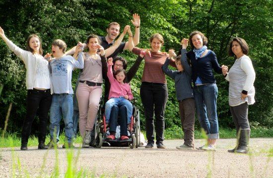 A Bras ouverts: des week-ends partagés- révèle que la rencontre d'amitié avec les personnes handicapées est une véritable école d'amour
