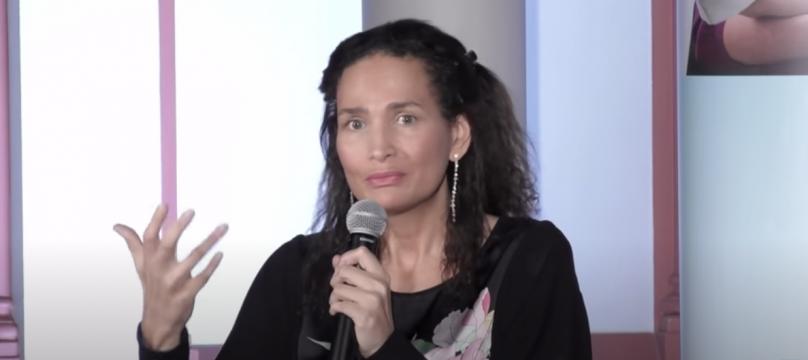 Frédérique Bedos en conférence pour l'OCH