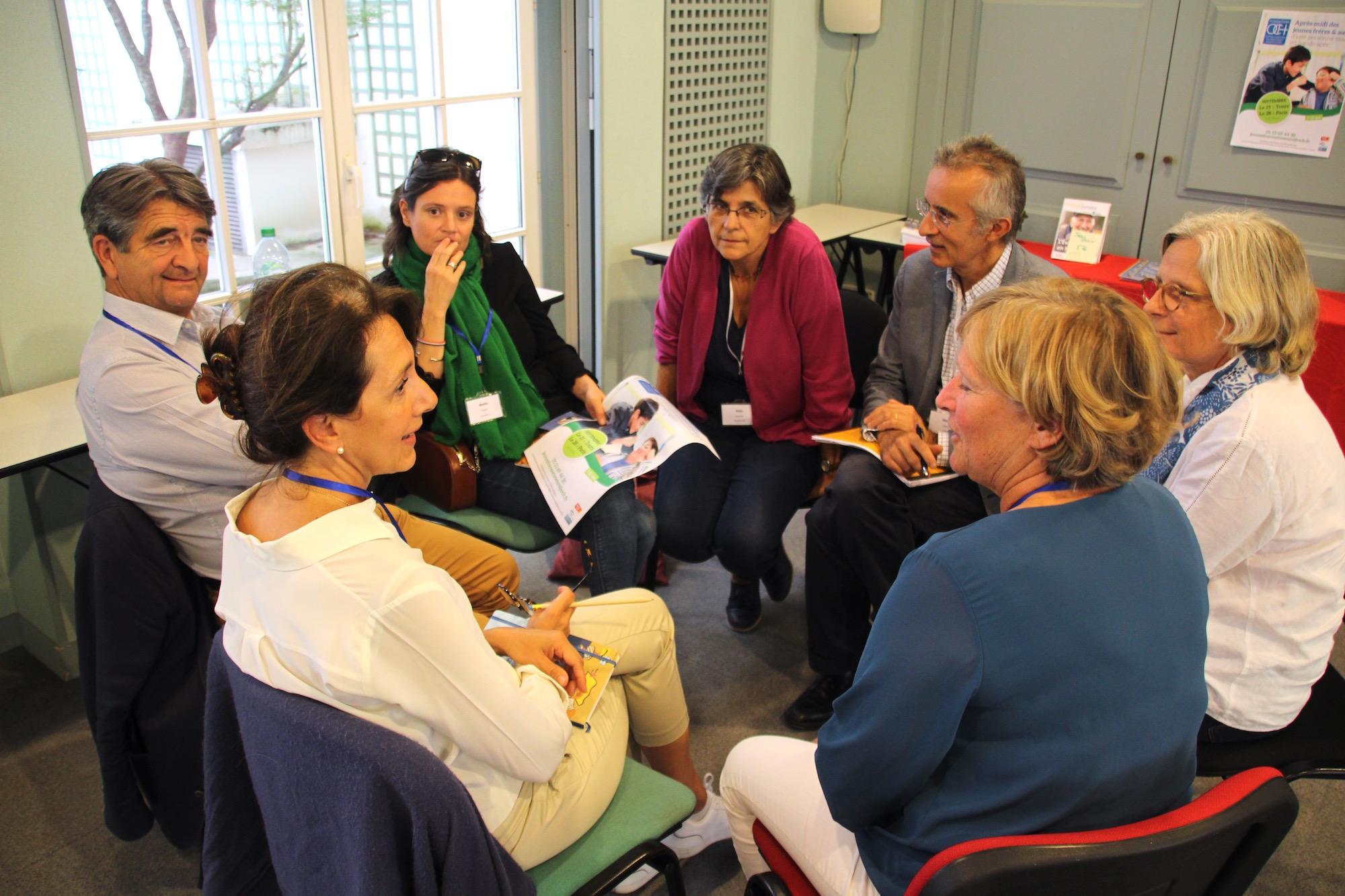Groupe de bénévoles de l'OCH au travail