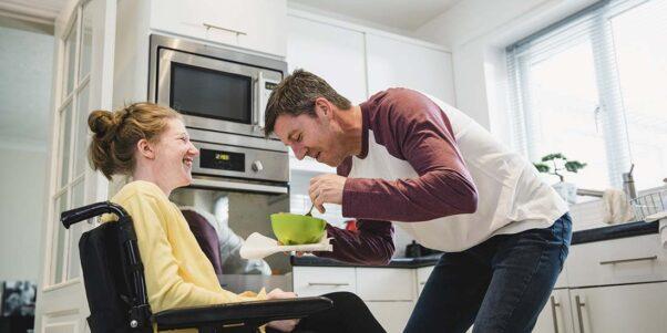 père et sa fille handicapée