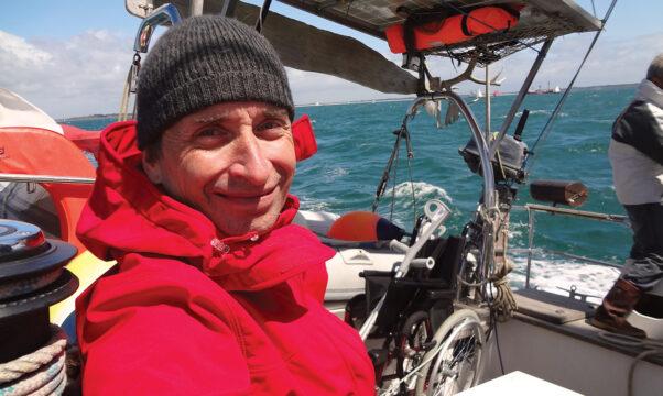 jean d'Artigues sur son bateau